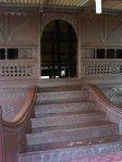 tangga depan